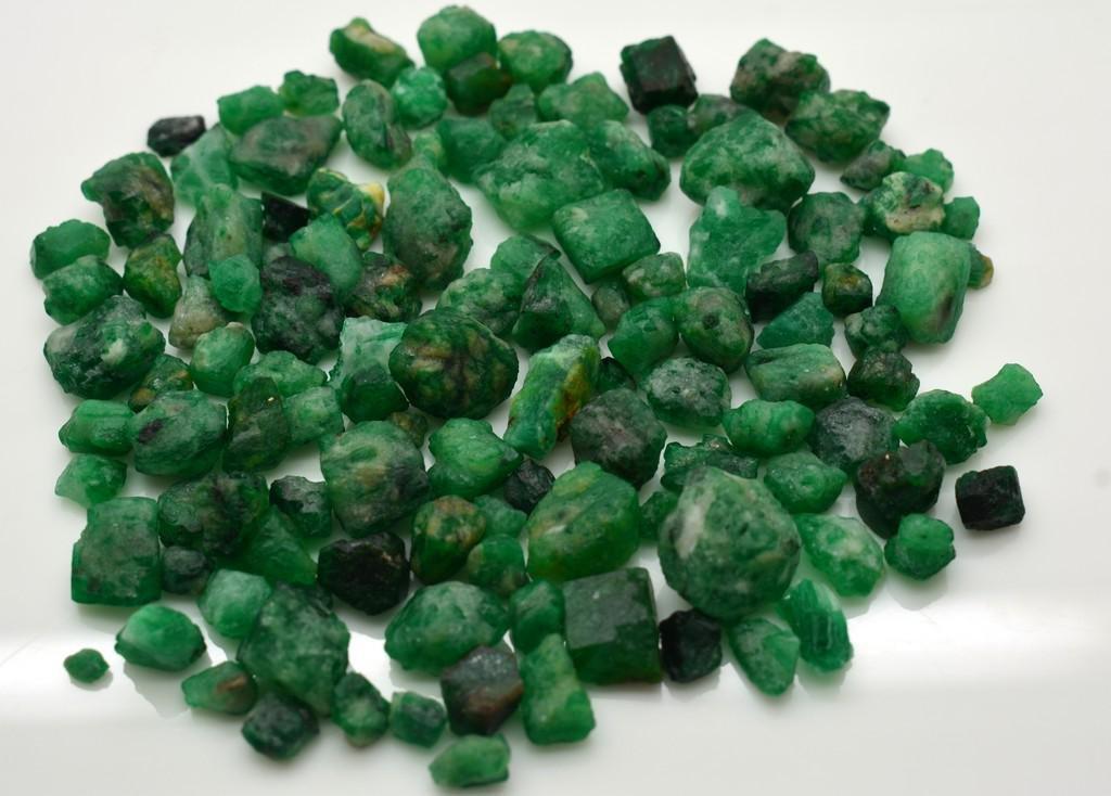 60 Grams Beautiful Emerald Rough Lot
