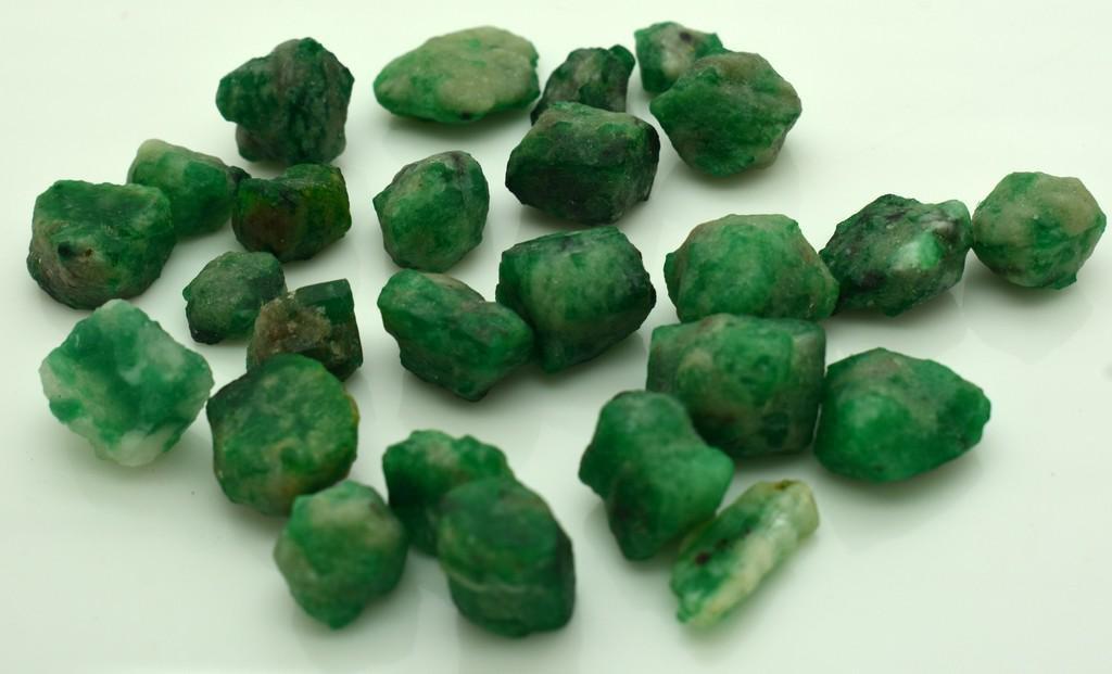 45 Grams Beautiful Emerald Rough Crystals