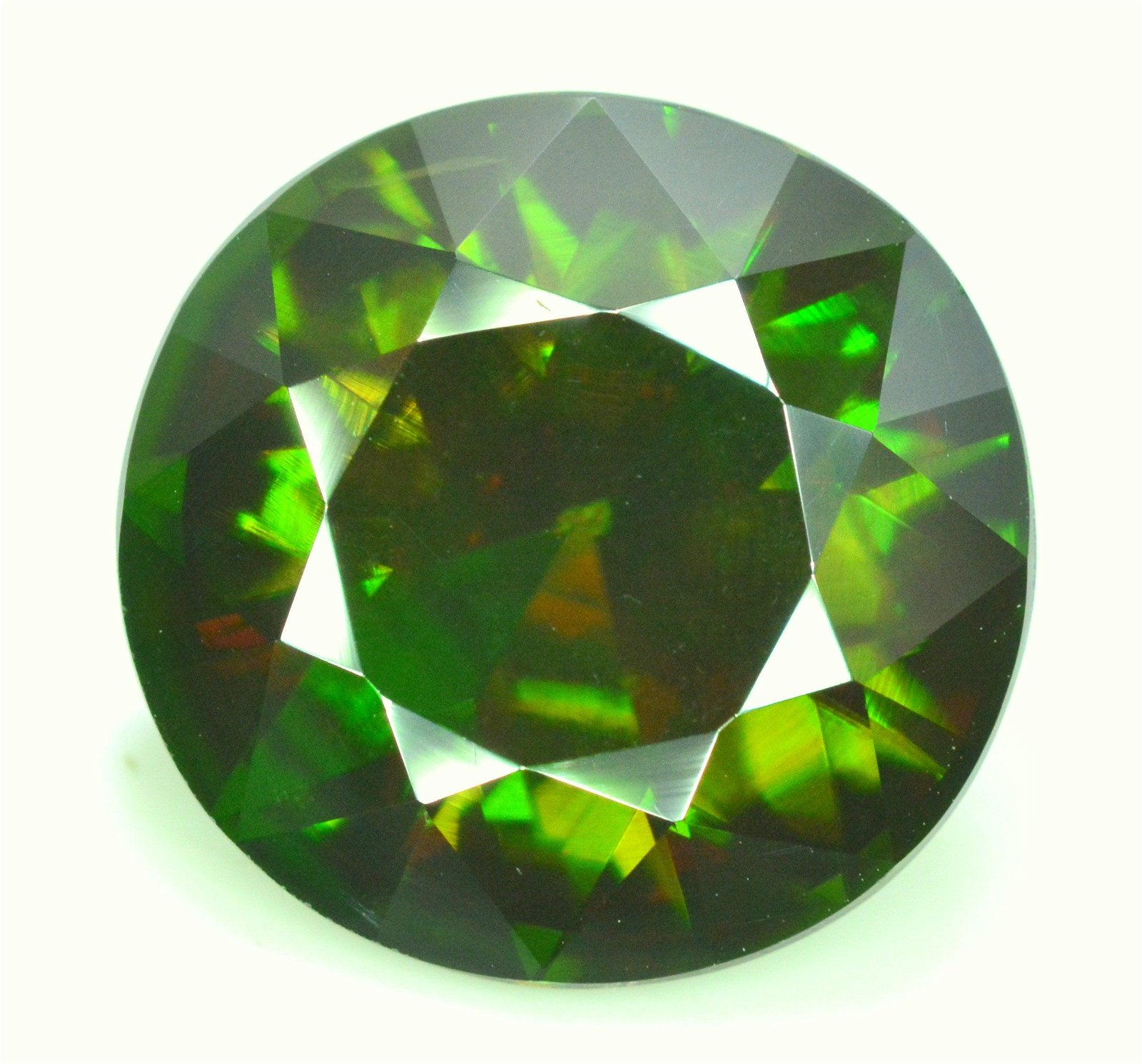 8.70 carats Green Color Natural Sphene Titanite from