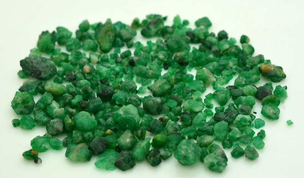 25 Grams Beautiful Emerald Rough Lot