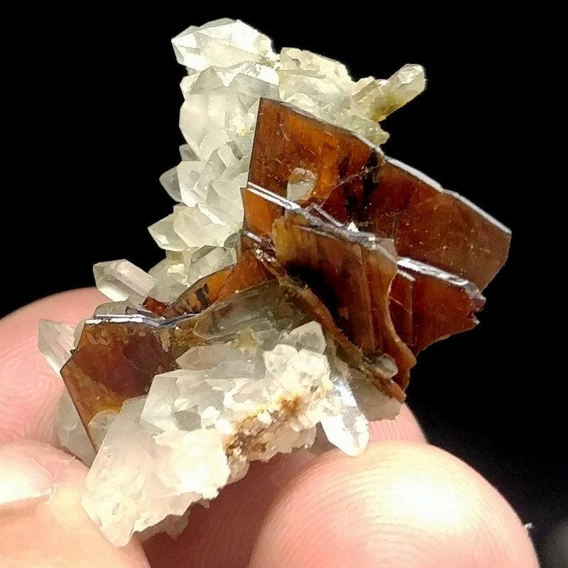 09 Grams Lovely Rare Bunch Of Red Brookite With Quartz