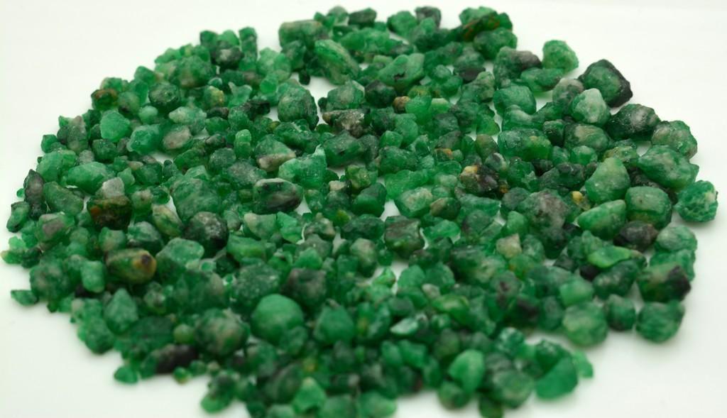 60 Grams Beautiful Emerald Rough