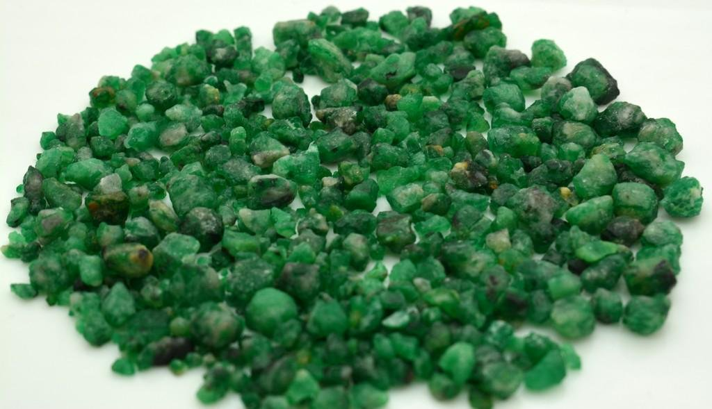 60 Grams Beautiful Emerald Rough