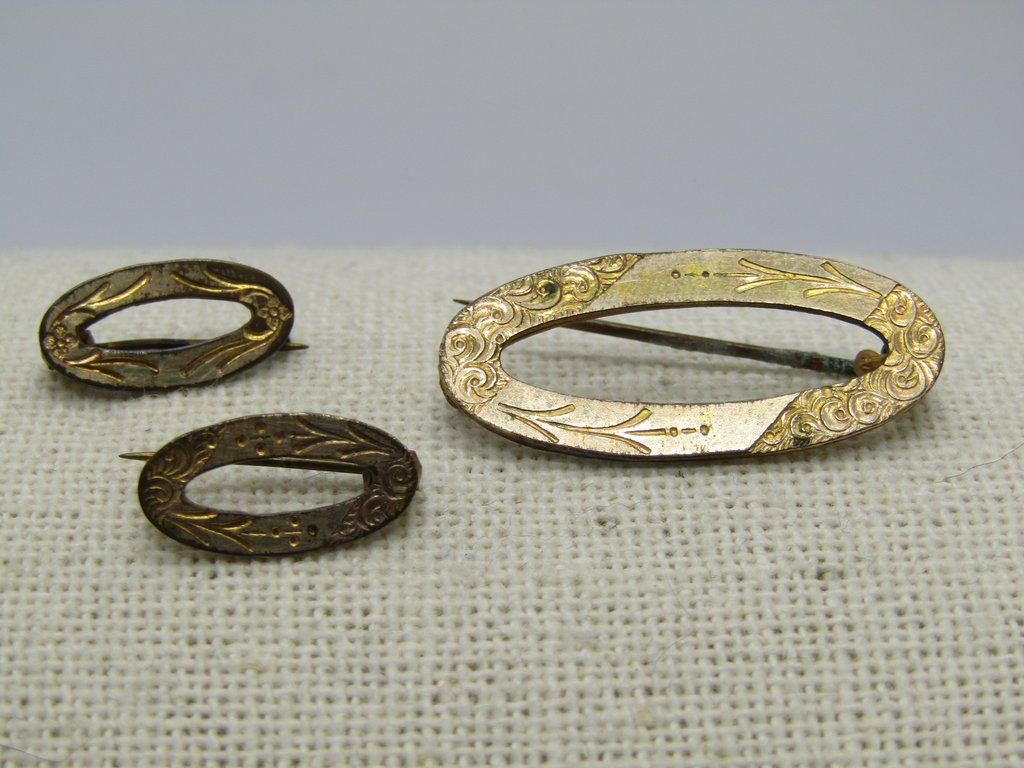 Victorian Etched Scatter Brooch Set of 3 Oval Brooches,
