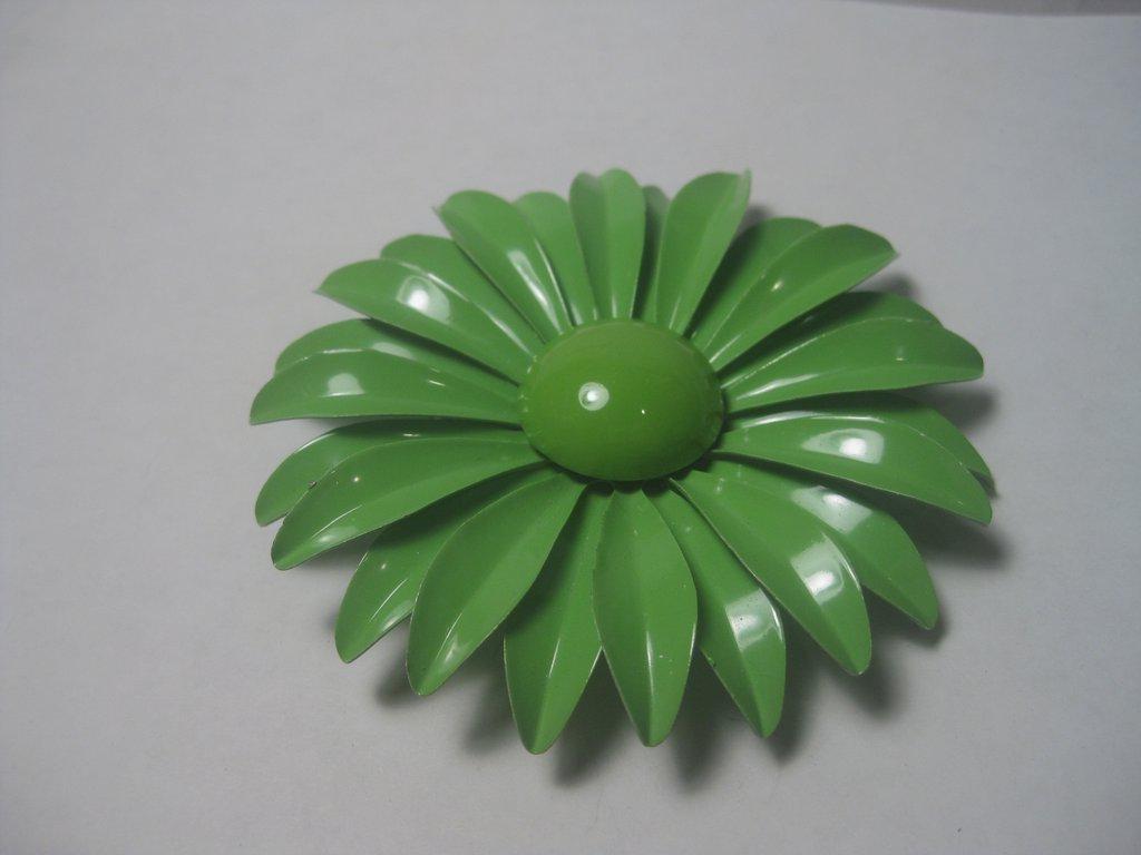 Vintage 1960's Huge Bright Green Daisy/Dahlia Brooch,