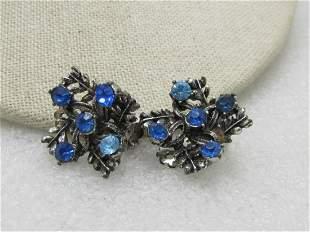 "Vintage Blue Rhinestone Clip Earrings. 3/4"", Silver"