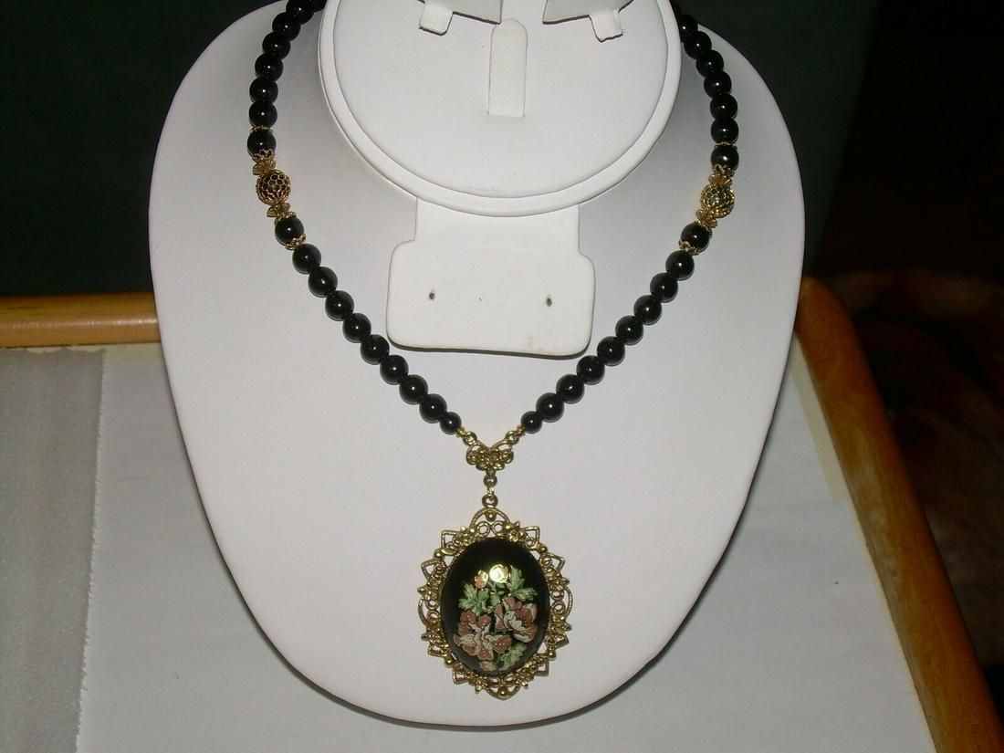 "1928 Enamel Cameo Pendant/Neclac; e 28"" Black Beads"