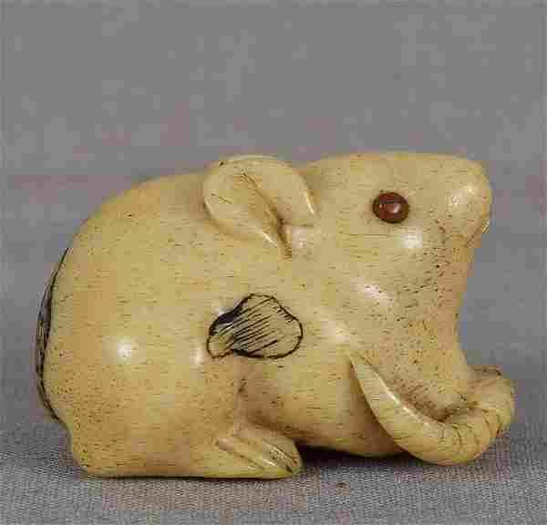 19c staghorn netsuke CROUCHING RAT
