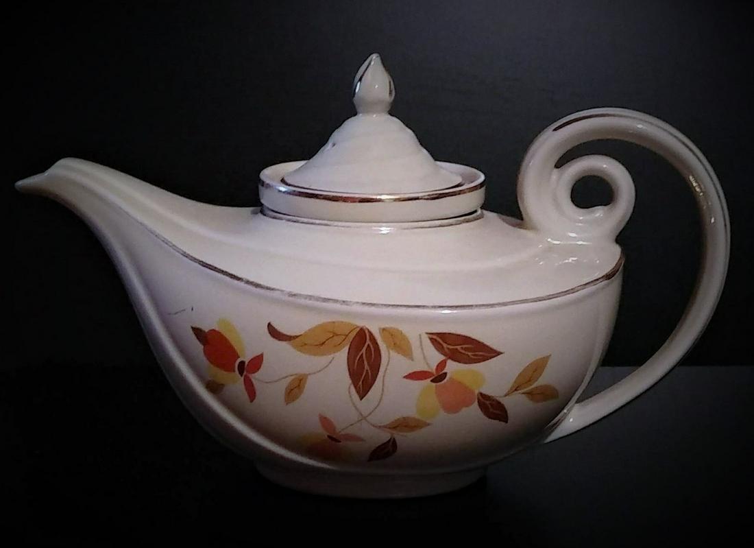 Hall's Autum Leaf Aladdin Teapot w/ Infuser