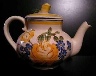 Red Wing Brittany Yellow Roses Teapot