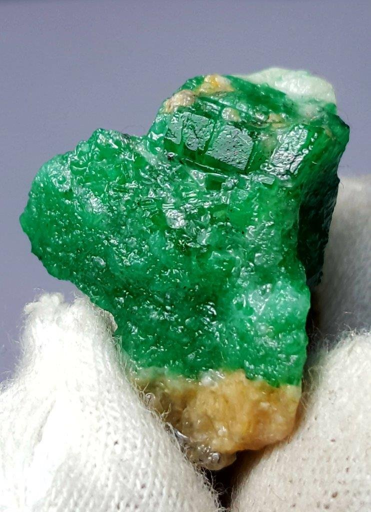 10.2 Grams Beautiful Natural Emerald Specimen From Swat