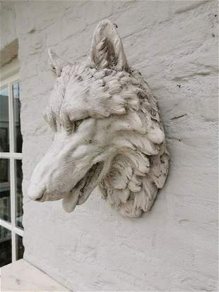 Large wolf head Wall mounted