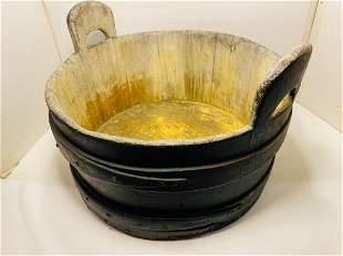 Staved tub