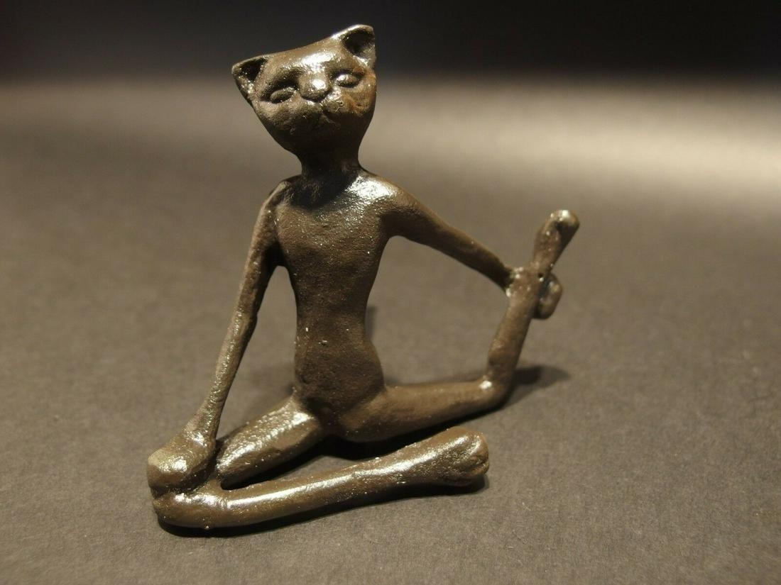Cast Iron Yoga Pilates Cat Figurine Statue Paperweight