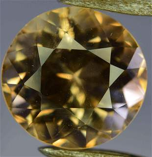 820 Carats Beautiful Topaz Gemstone 116x113x86 MM