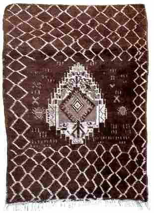 Handmade antique Moroccan Berber rug 34 x 5 105cm x