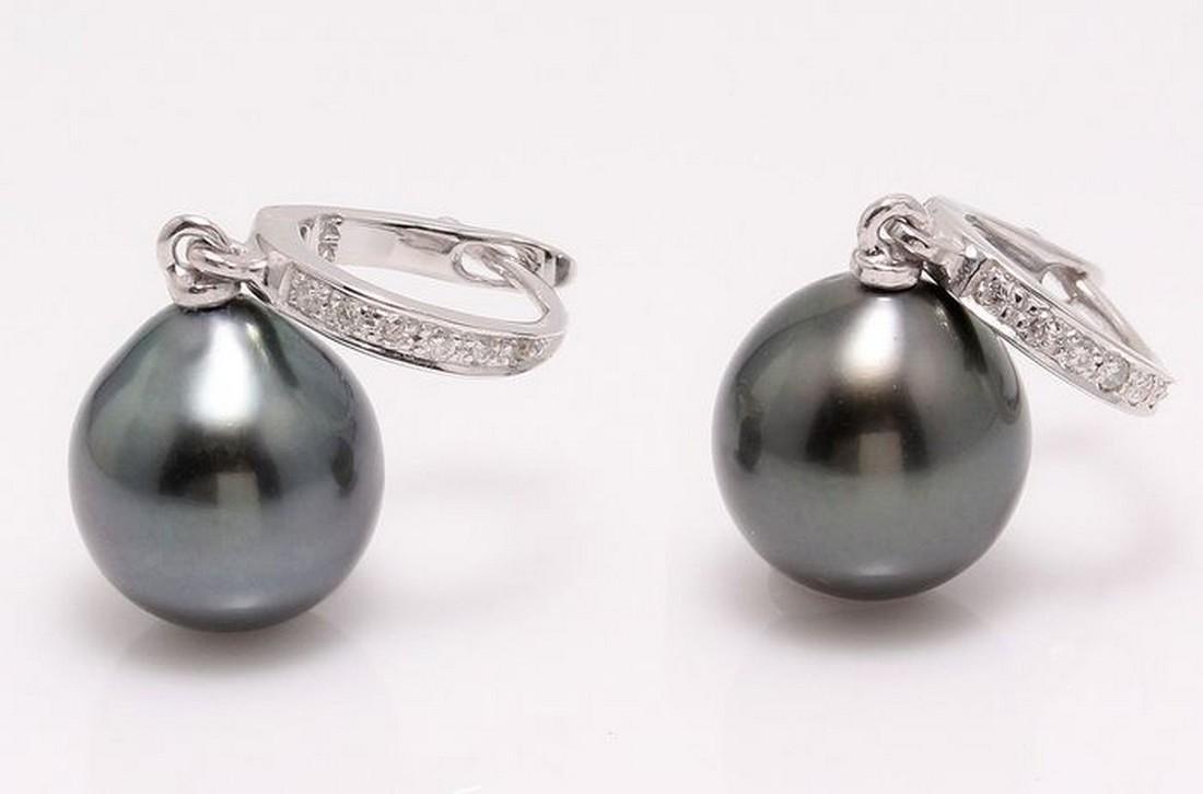 14 kt. White Gold - 9x10mm Tahitian Pearl Drops -