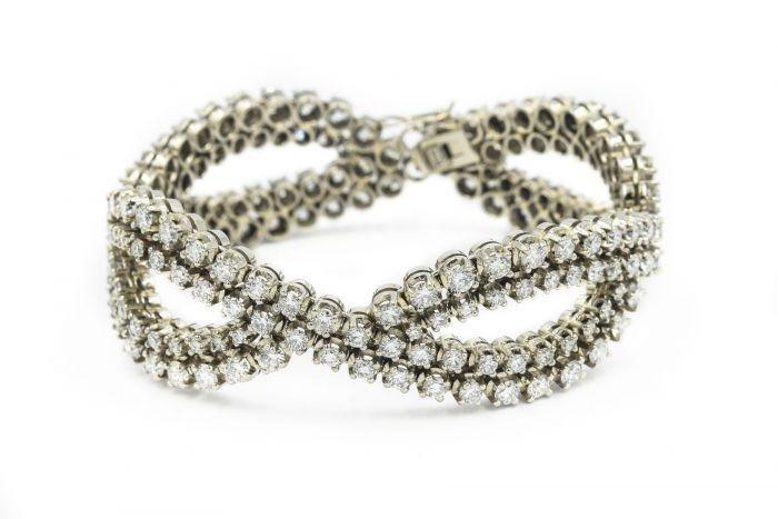 Contemporary White Gold and Diamond Bracelet