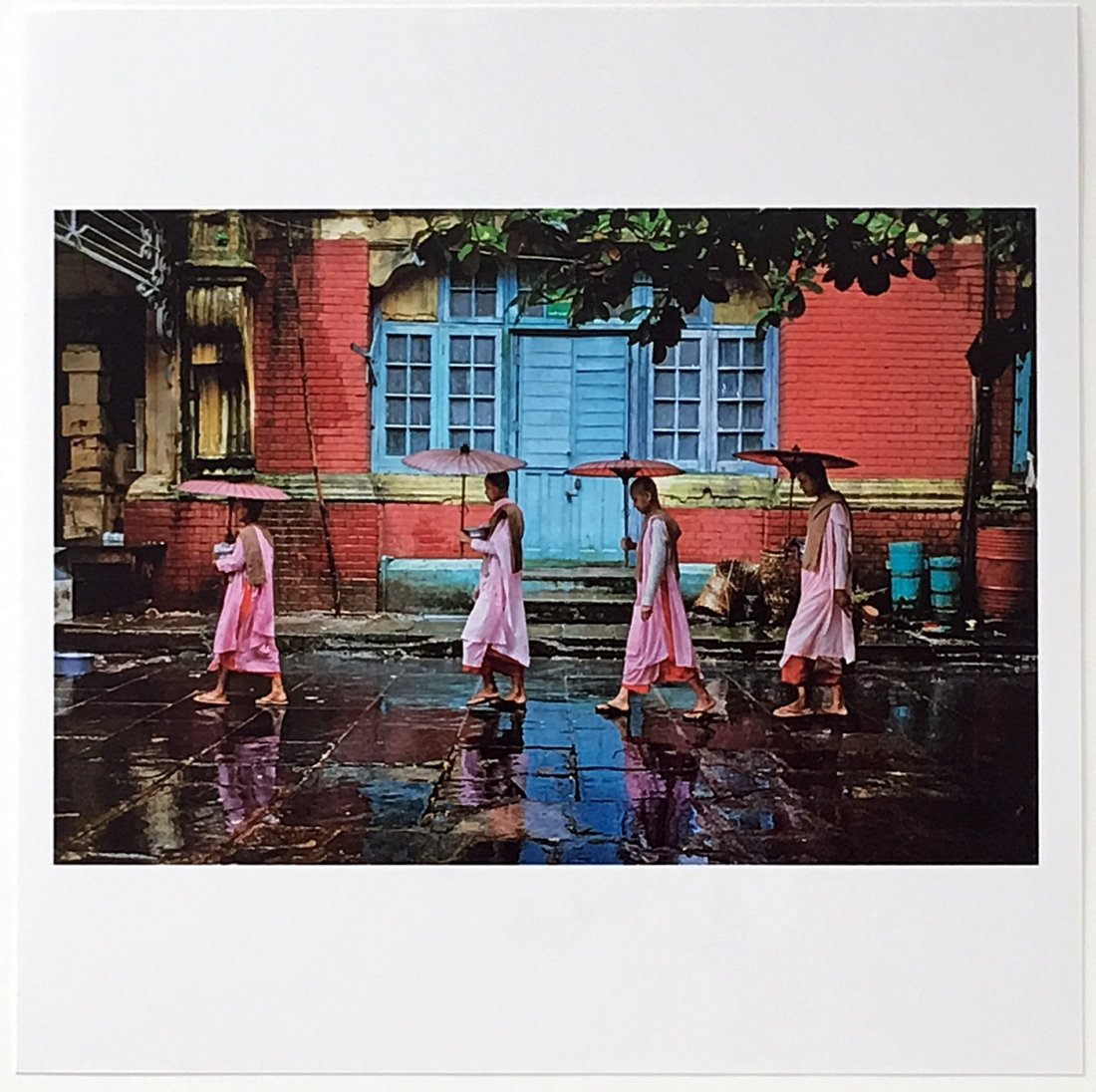 Steve McCurry: Procession of Nuns, Yangon, Myanmar 1994
