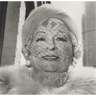 DIANE ARBUS - Woman with Veil