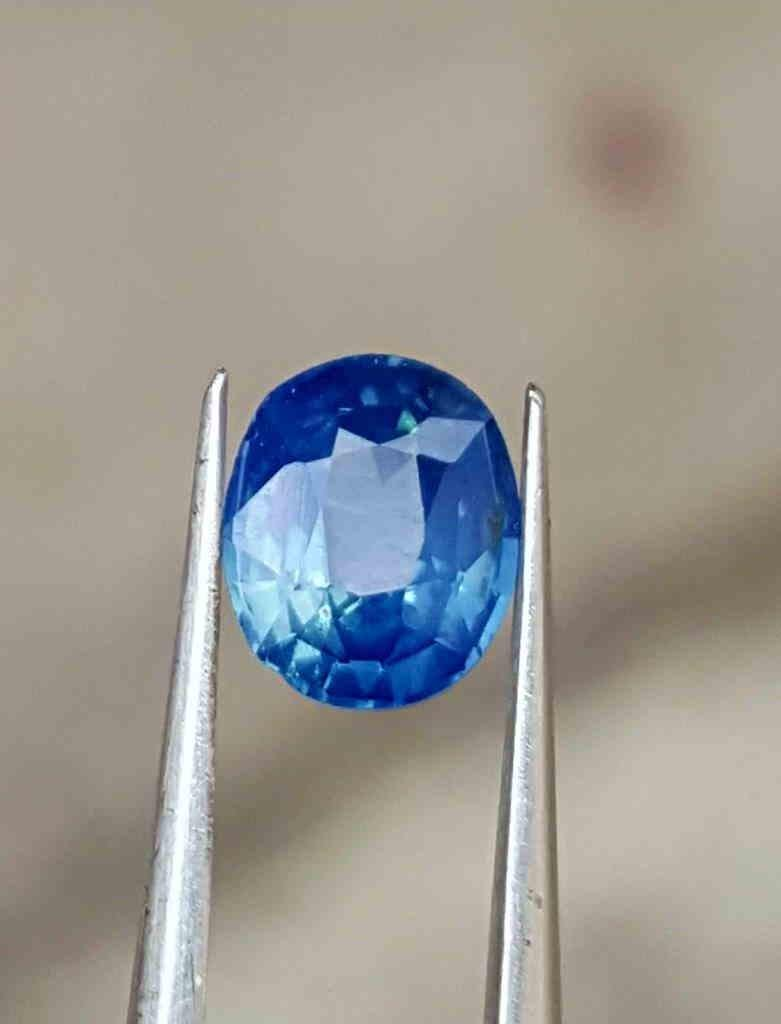 0.92 Carats Top Quality Natural Blue Sapphire