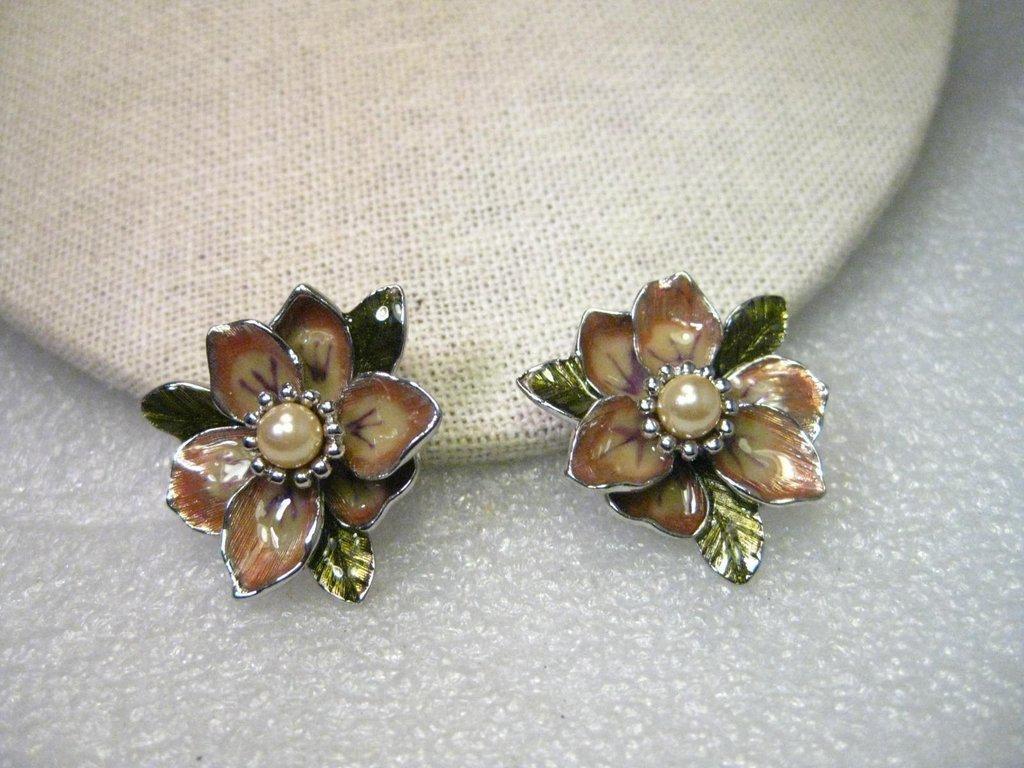 Vintage Joan Rivers Enameled Floral Gold Clip Earrings,