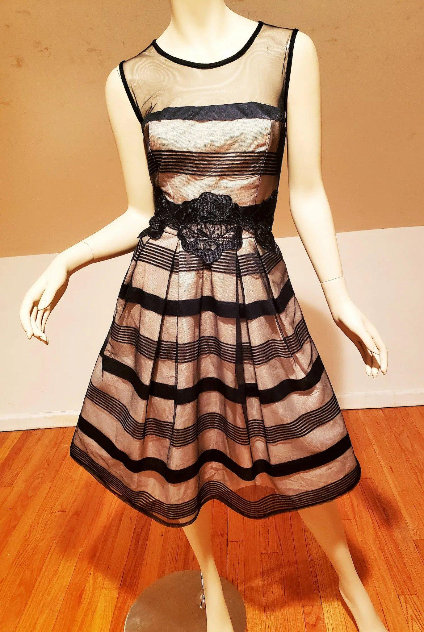 Vtg Circle dress 80's doing 50's Black and Tan with