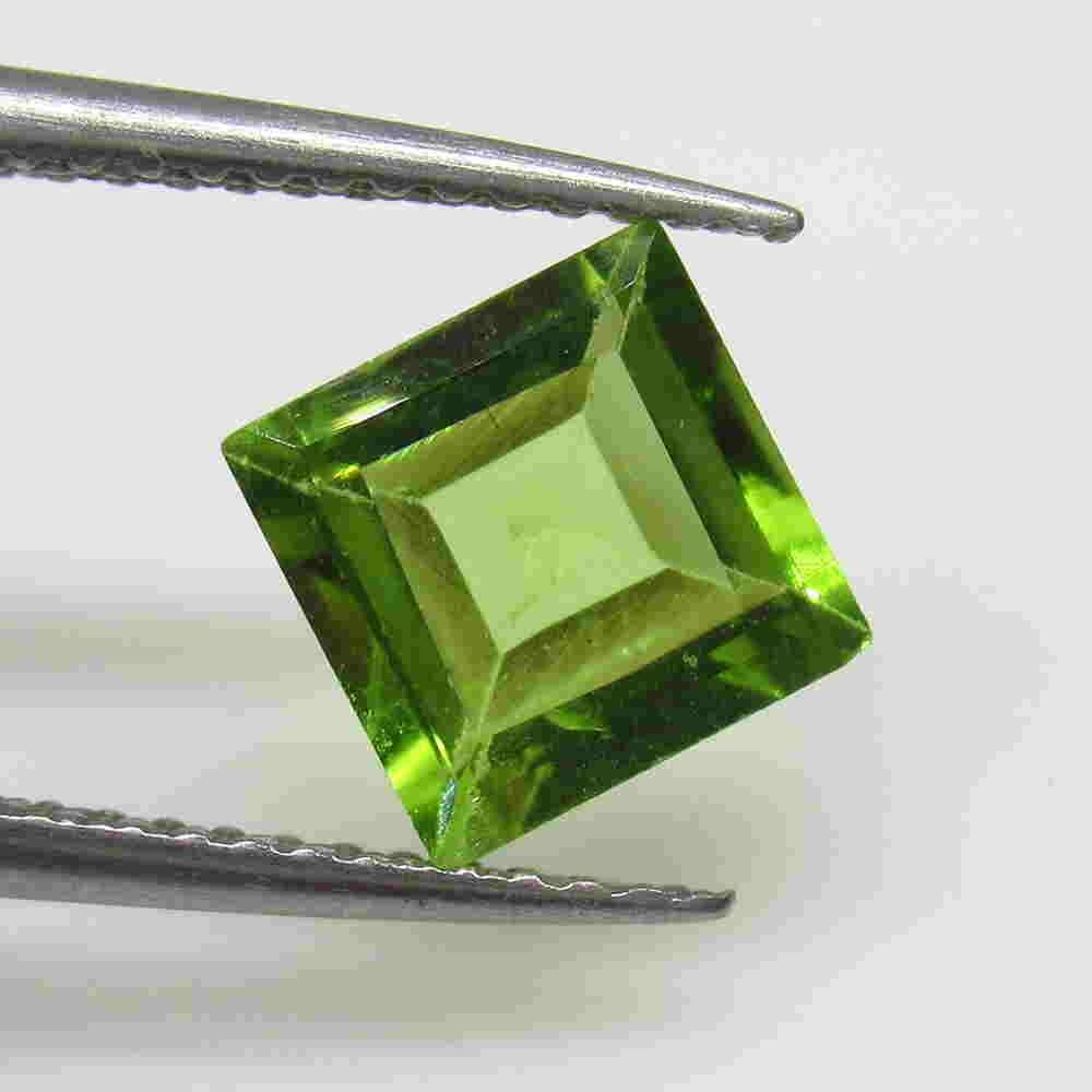 1.73 Ctw Natural Pakistan Peridot Square Cut