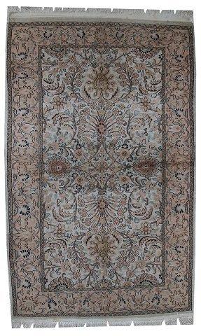 Handmade vintage silk Indo-Tabriz rug 3.2