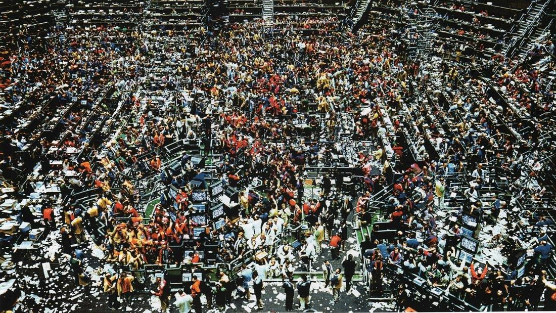 ANDREAS GURSKY - Chicago, Board of Trade IL, 1999