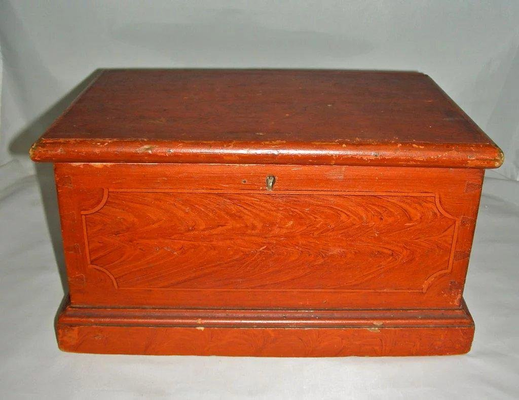 Miniature Dovetailed Blanket Box w/till c1840