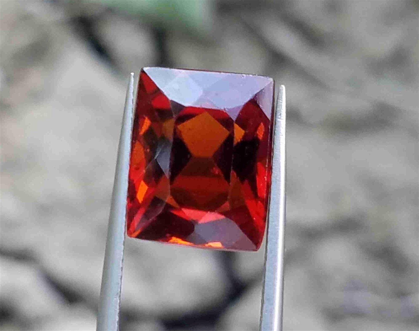 6.4 Carats Beautiful Hessonite Garnet ~ 11x9x7 MM