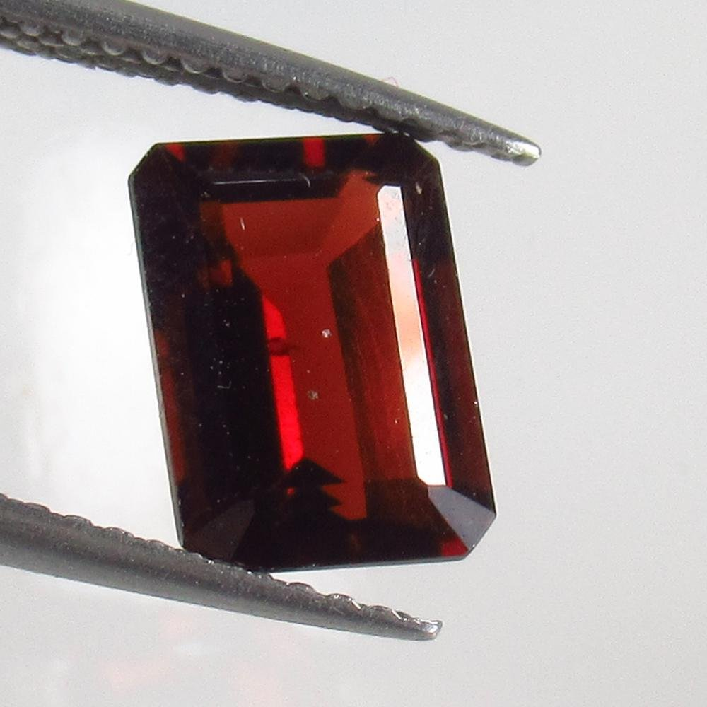 2.44 Ct Natural Pink Rhodolite Garnet Octagon Cut