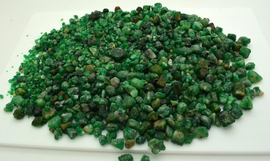 145 Grams Beautiful Emerald Rough