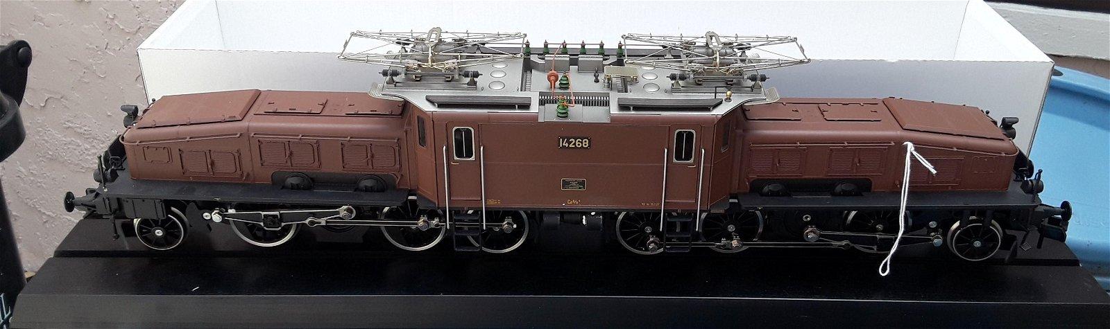 Marklin Swiss Krokodil, Gauge 1. The locomotive comes