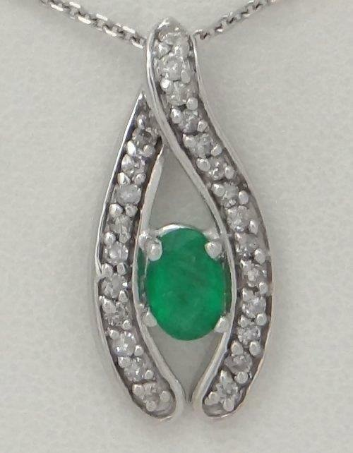 14K WHITE GOLD 1/4ct DIAMOND 1/2ct OVAL GREEN EMERALD