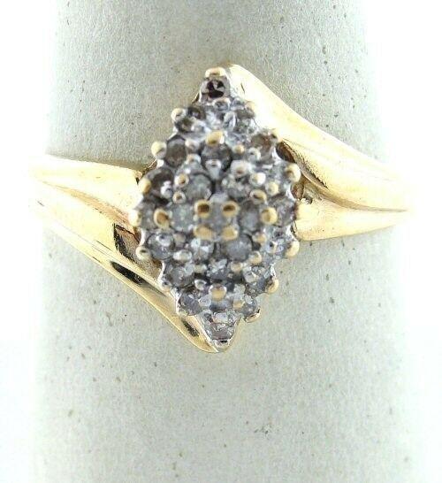 LADIES 10K GOLD ROUND 1/5 DIAMOND COCKTAIL CLUSTER RING