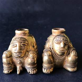 Reproductions of Precolumbian art Couple sitting with