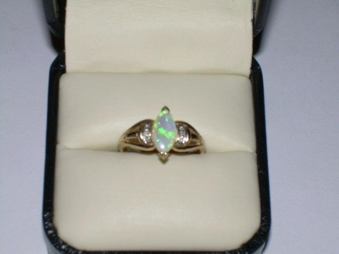 Vintage 10Kt Opal Diamond Ring - Size 6.25