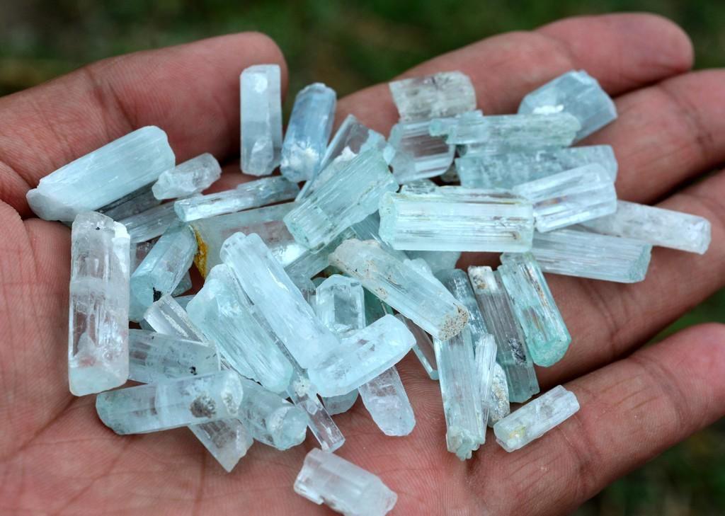 89 Grams Beautiful Aquamarine Crystals