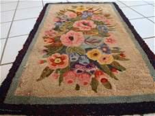 Handmade antique American hooked rug 1.9' x 2.10' (58cm