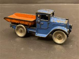 Early 20th c cast iron Dump Truck