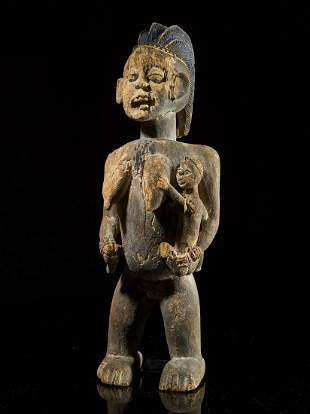 Cameroon Statue of mother and child
