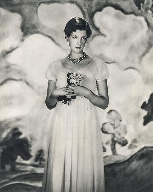 CECIL BEATON - Woman With Flowers
