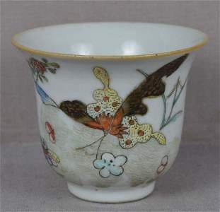 Early 19c Chinese porcelain cup BUTTERFLIES