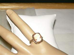 Vintage 10kt gold genuine carved shell Cameo ring in a