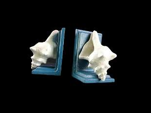 Conch shell bookends