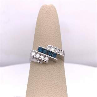 14Kt Gold 0.58 Tcw Blue & White Natural Diamonds Ring.