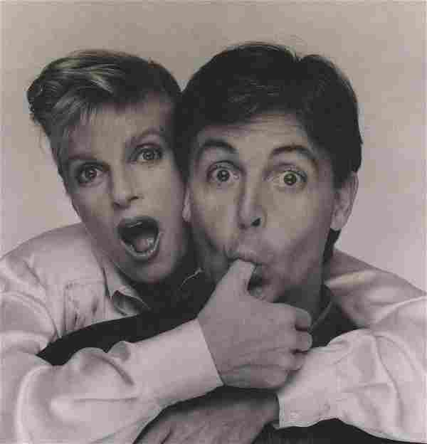 TERRY O'NEILL - Paul & Linda McCartney, publicity