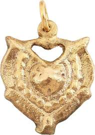VERY FINE VIKING HEART NECKLACE C.950-1050 AD
